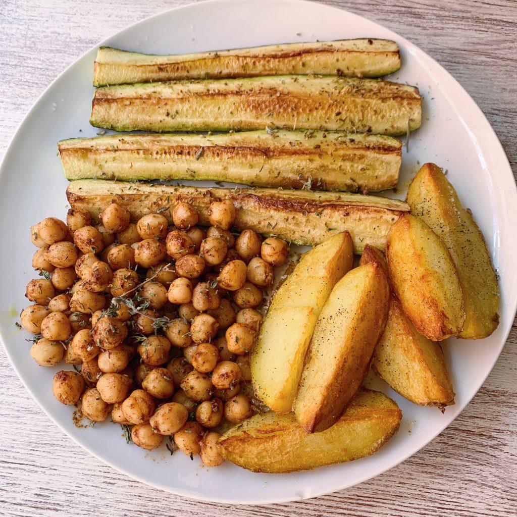 Plato con patatas gajo de verano