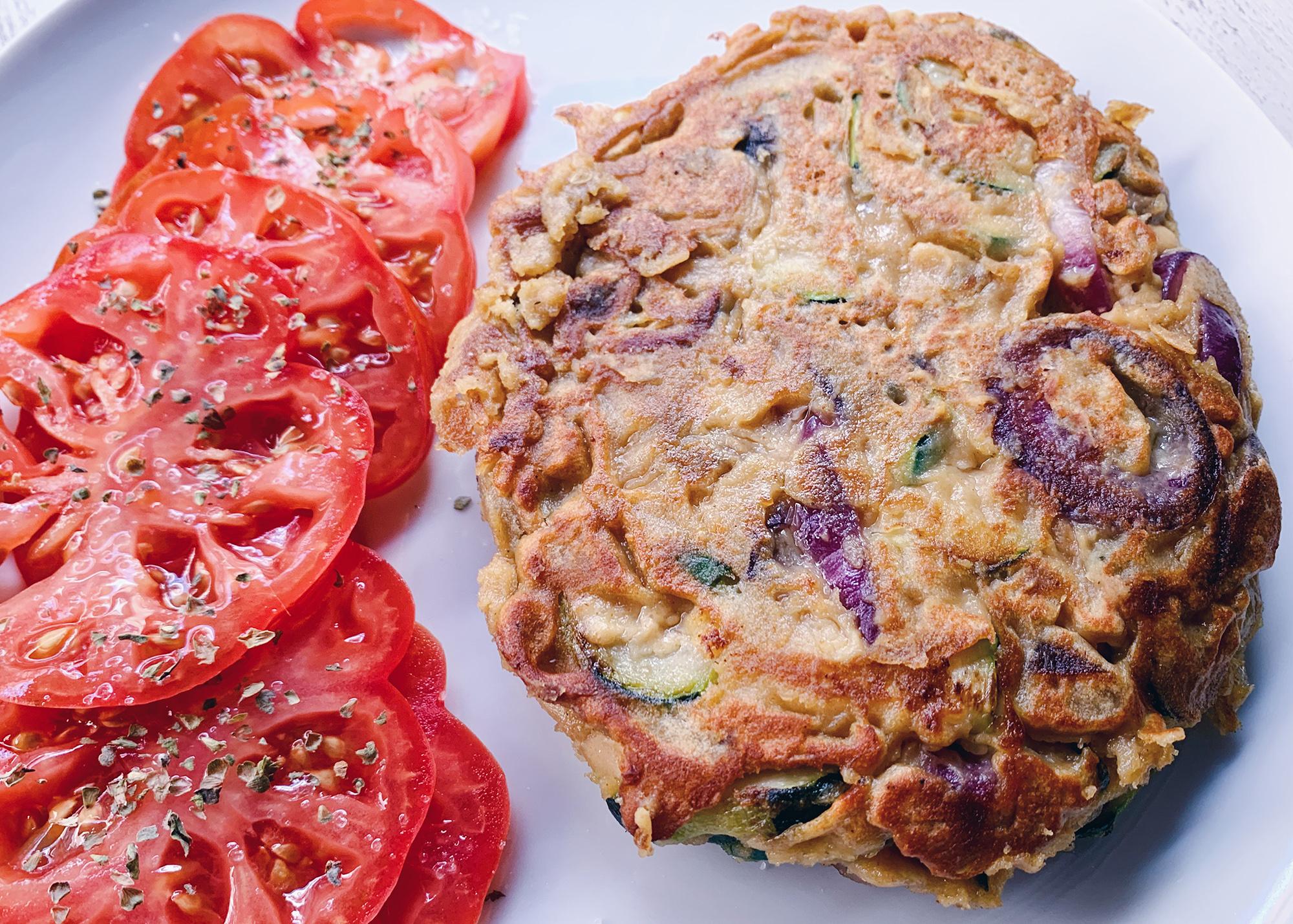 Tortilla vegana de calabacín y champiñones